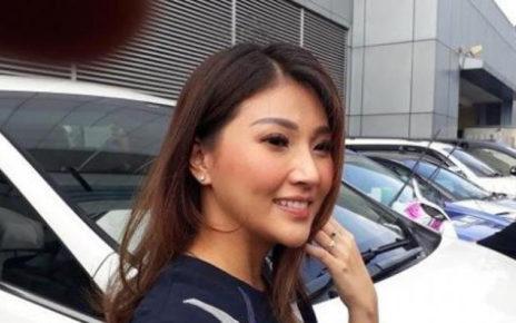 Melahirkan di Singapura, Sarwendah Berangkat Bersama Tukang Urut